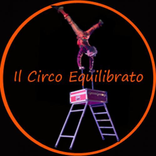 Artisti di Strada Spettacoli Giocolieri Circus